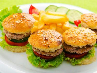 Mini-burgeri de curcan - Ingrediente si mod de preparare