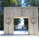 Poarta Sărutului, monument ce face parte din