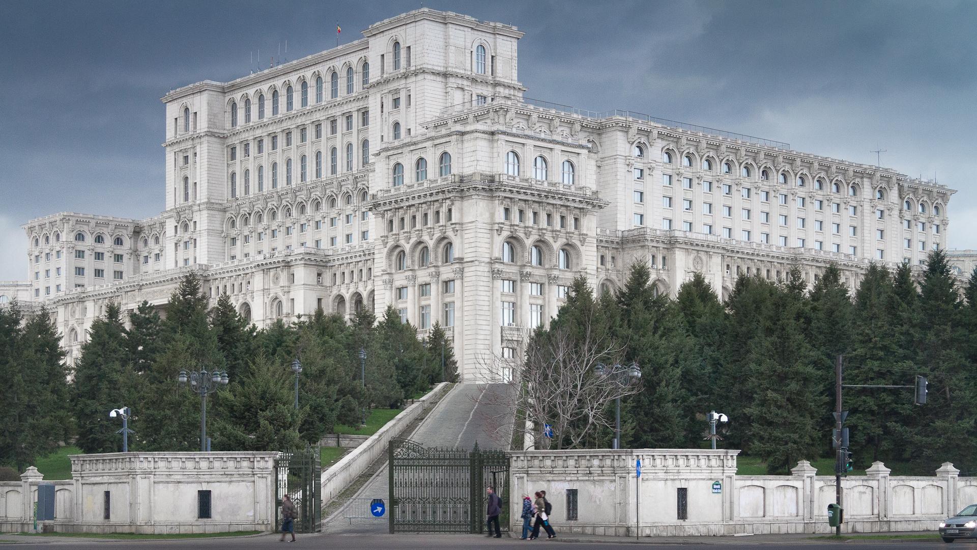 Palatul Parlamentului, simbol românesc, obiectiv turistic