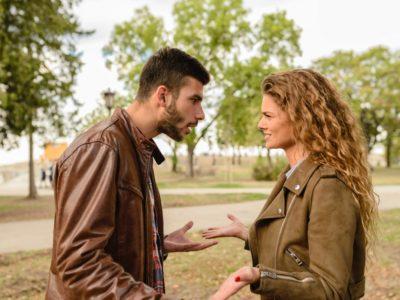 Cum să recunoști oamenii toxici din viața ta