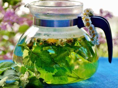 Ceaiul care îți ia durerea de cap cu mâna