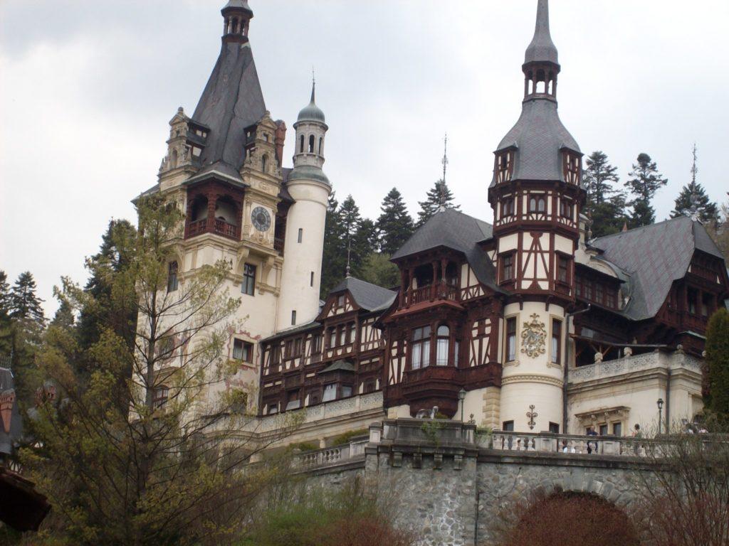 Castelul Peleș, o perlă arhitecturală